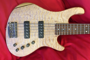 Kristall HOME 5 quilted maple top